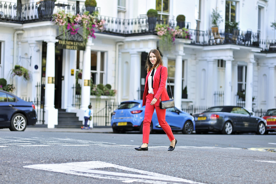 2-red-suit-street-style-01